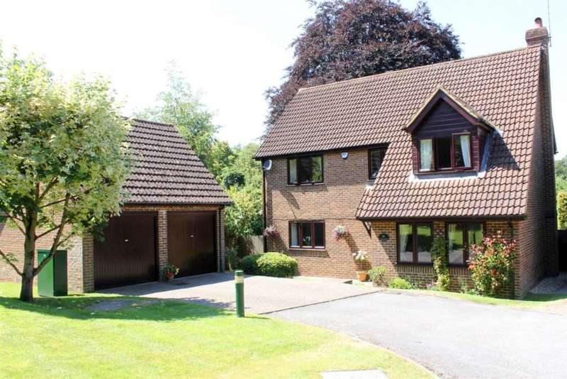 4 Bedrooms Detached House for sale in Loxwood Close, Beechwood Park, Felden