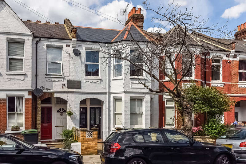 3 Bedrooms Flat for sale in Lyndhurst Road, Wood Green