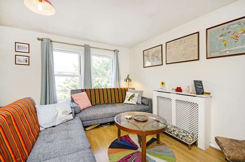 1 Bedroom Flat for sale in Well Street, Victoria Park, E9