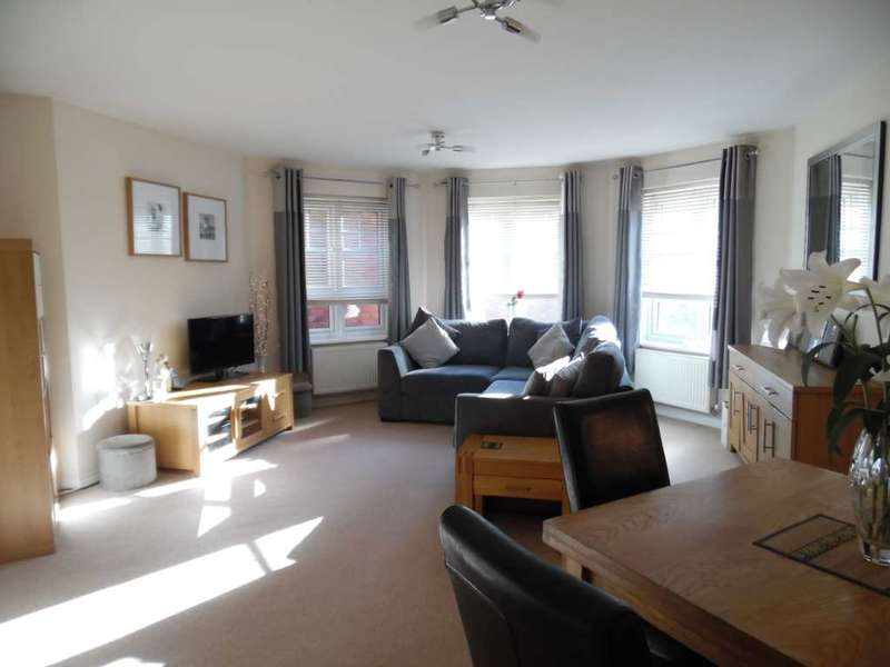 1 Bedroom Apartment Flat for sale in Elmstone Drive, Royton