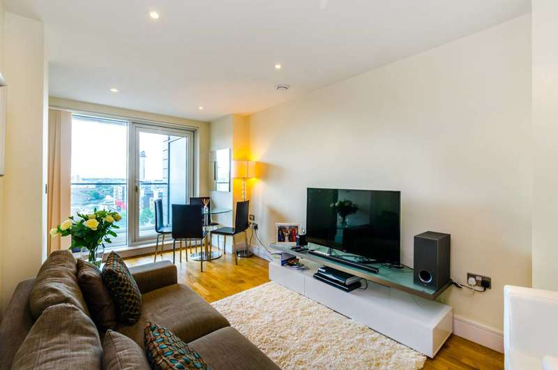 1 Bedroom Flat for sale in Wharfside Point South, Canary Wharf, E14