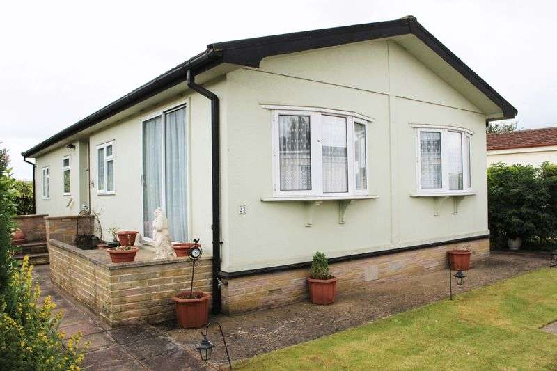 2 Bedrooms Detached House for sale in Tollerton Lane, Nottingham