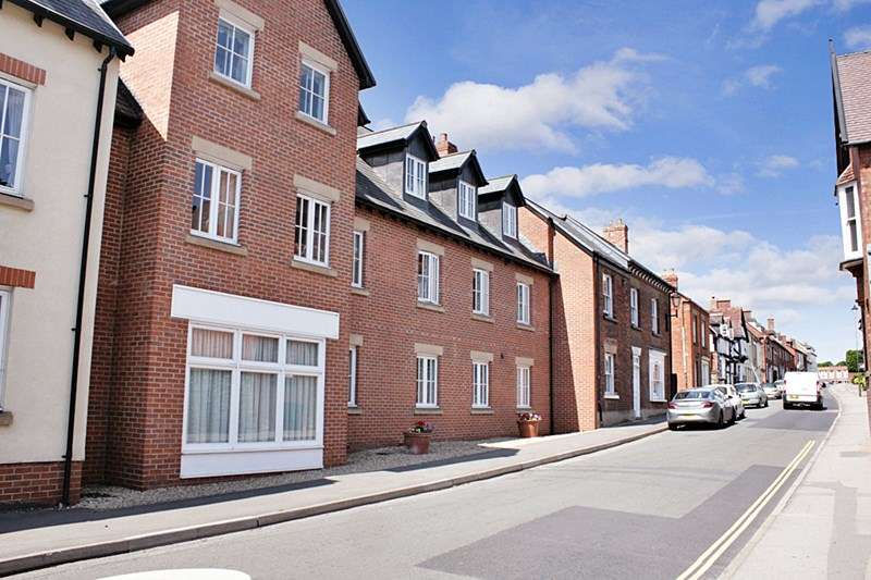 2 Bedrooms Retirement Property for sale in Daffodil Court, Newent, GL18 1TY