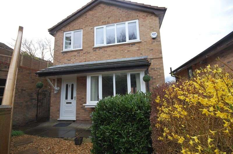 3 Bedrooms Detached House for sale in Fay Gardens, Glossop