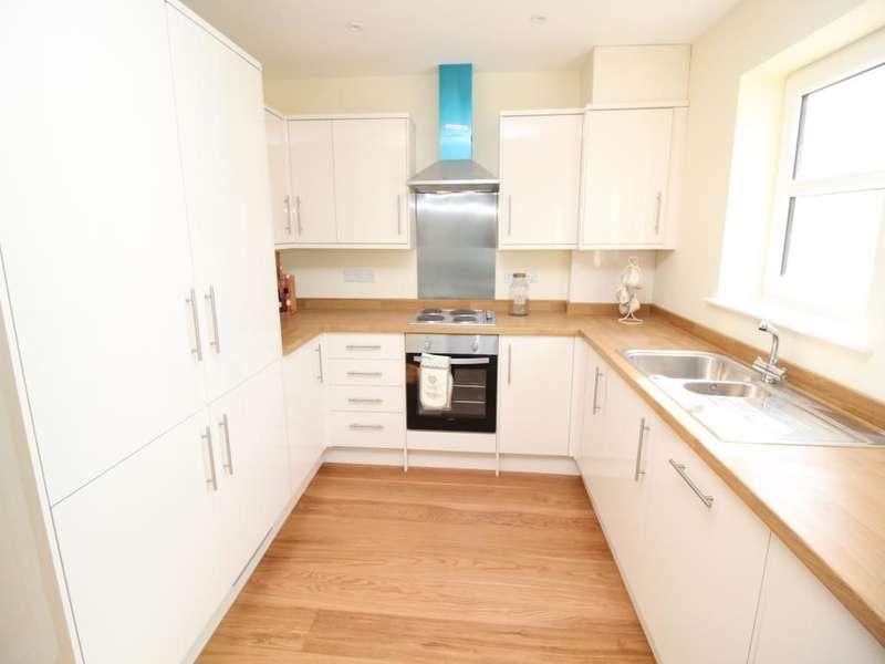 4 Bedrooms Property for sale in Bluecroft Shripney Road, Bognor Regis, PO22