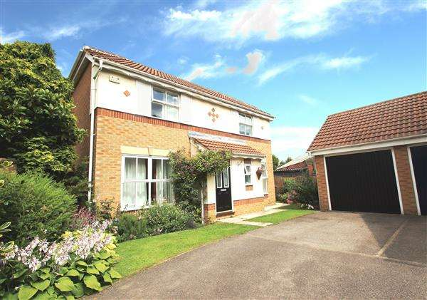 3 Bedrooms Detached House for sale in Orchid Crest, Upton