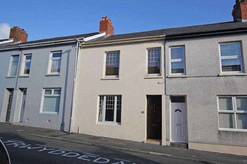 3 Bedrooms Terraced House for sale in PARCMAEN STREET, CARMARTHEN