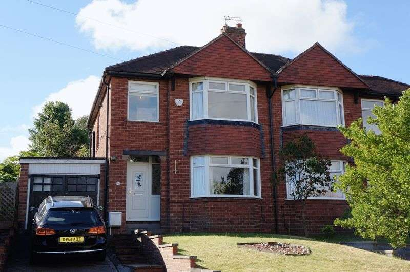 3 Bedrooms Semi Detached House for sale in Rosedale Avenue, Acomb