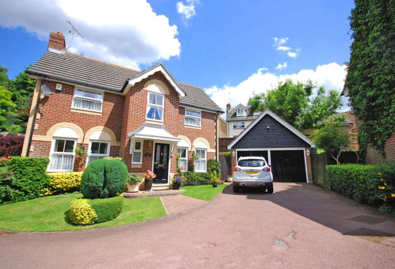 4 Bedrooms Detached House for sale in Guernsey Way, Braintree, CM7