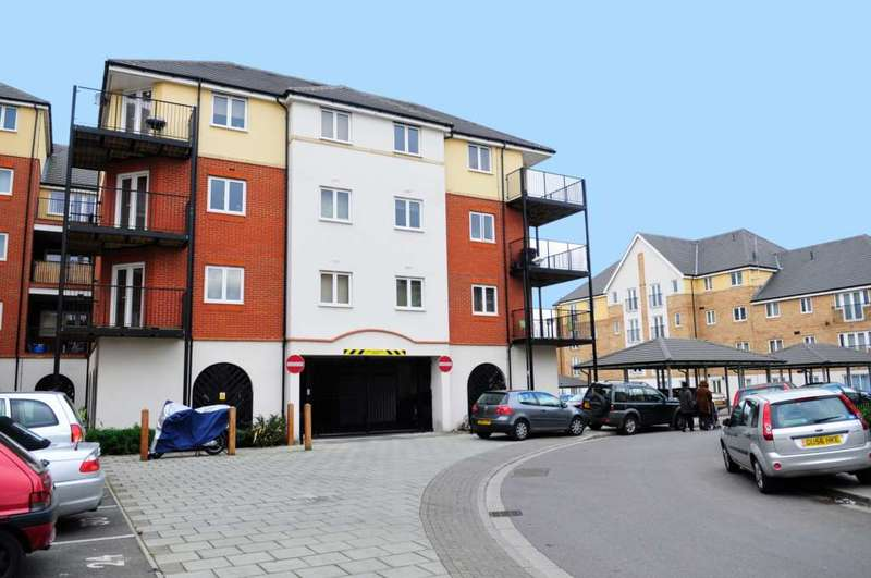 2 Bedrooms Apartment Flat for sale in Pettacre Close, Thamesmead West, SE28 0PB