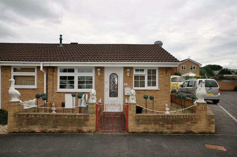 1 Bedroom Bungalow for sale in Long Close Downend