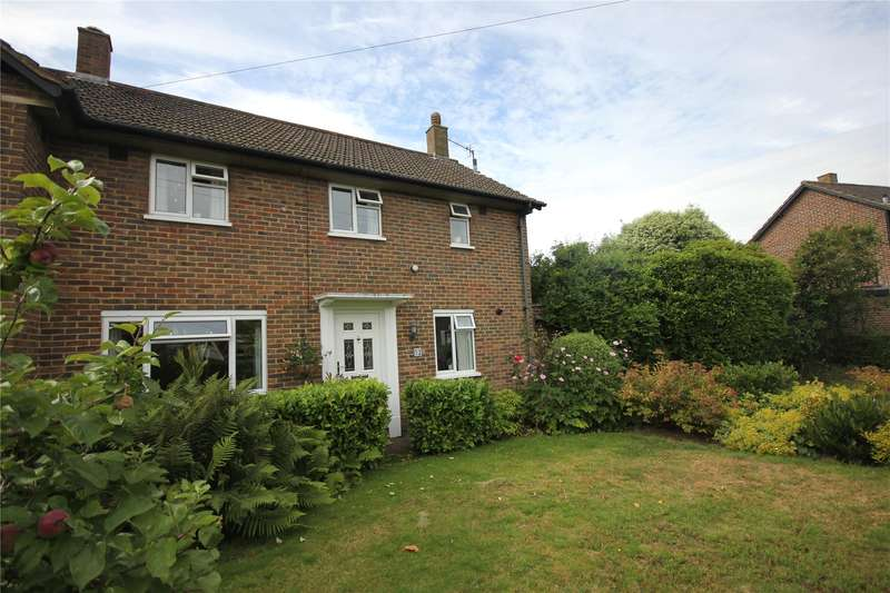 3 Bedrooms Semi Detached House for sale in Howards Road, Woking, Surrey, GU22