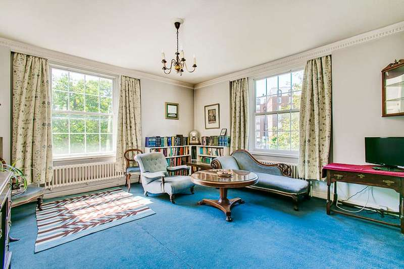 3 Bedrooms Flat for sale in Fitzjames Avenue, London, W14