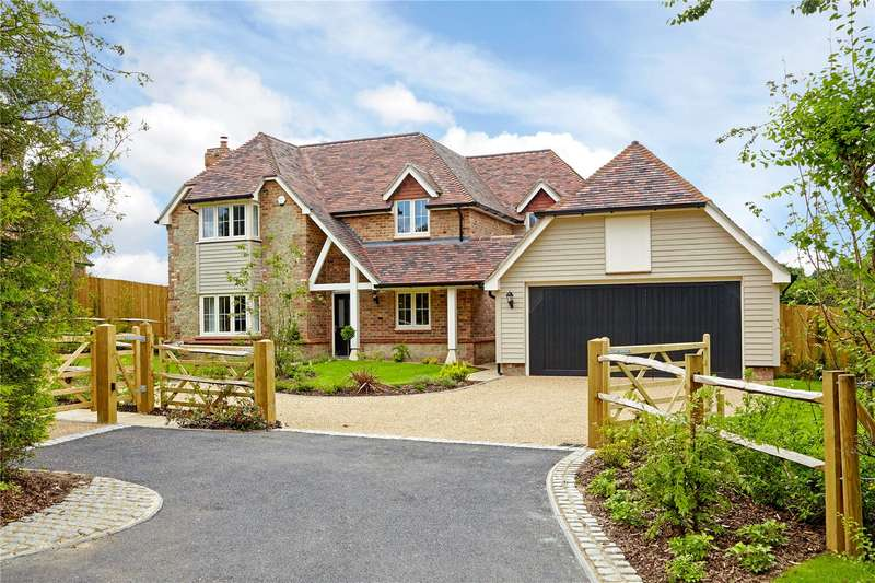 5 Bedrooms Detached House for sale in Long Mill Lane, St Mary's Platt, Kent, TN15