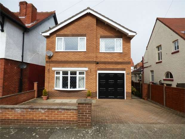 4 Bedrooms Detached House for sale in Albert Avenue, Skegness, Lincolnshire