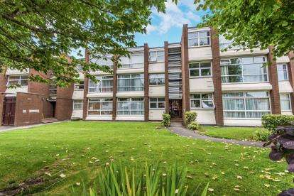 1 Bedroom Flat for sale in Gillity Court, Camborne Road, Walsall, West Midlands