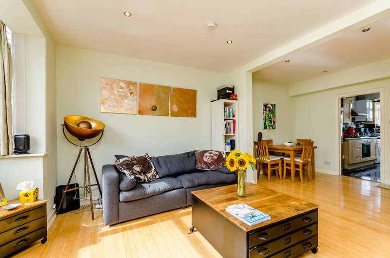 1 Bedroom Flat for sale in Hailsham Road, Tooting, SW17
