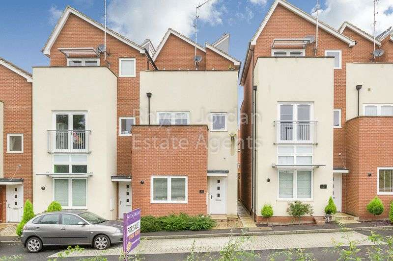 3 Bedrooms Property for sale in Oxley Park, Milton Keynes