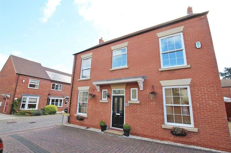 4 Bedrooms Detached House for sale in BYGOTT WALK, NEW WALTHAM