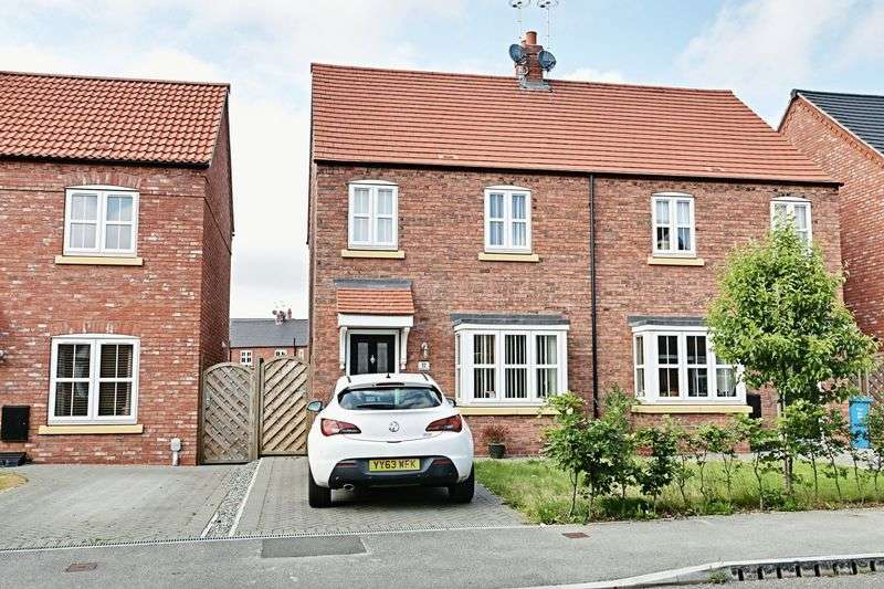 3 Bedrooms Semi Detached House for sale in Markeaton Park, Kingswood