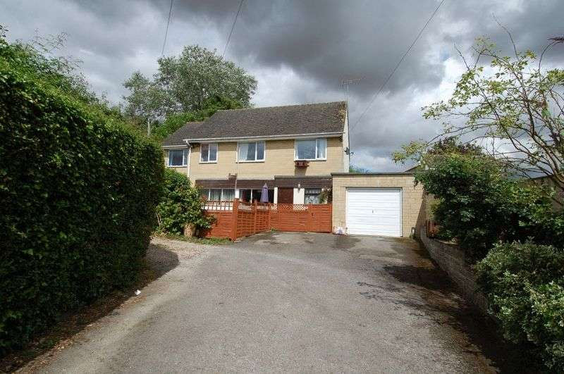4 Bedrooms Detached House for sale in TACKLEY