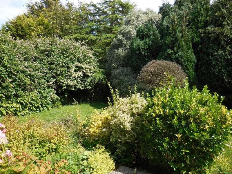 4 Bedrooms Detached House for sale in Hawksdown Road, Walmer, Deal, Kent