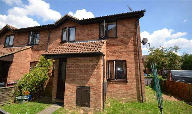 2 Bedrooms Terraced House for sale in Thumwood, Chineham, Basingstoke