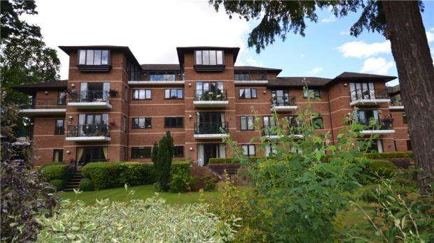 3 Bedrooms Apartment Flat for sale in Horton Grange, Ray Mead Road, Maidenhead