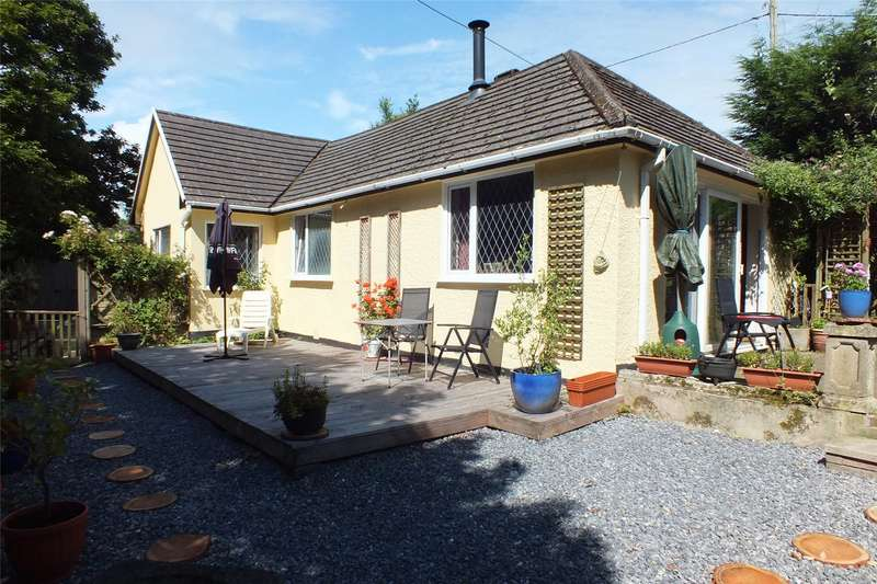 2 Bedrooms Detached Bungalow for sale in Woodsmoke Lodge, Pleasant Valley, Stepaside, Narberth