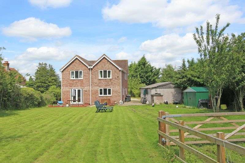 6 Bedrooms Detached House for sale in Landford