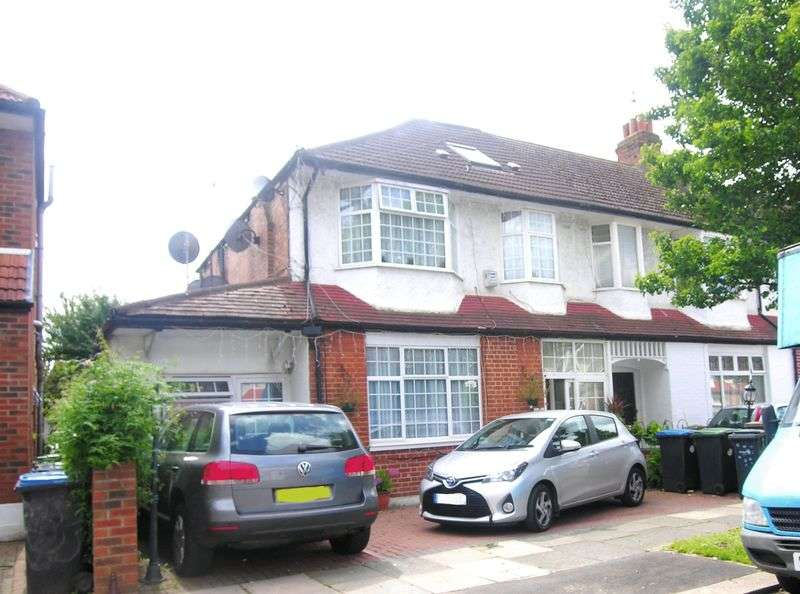 5 Bedrooms Terraced House for sale in Palmers Green, N13