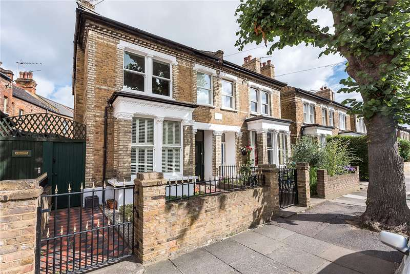 3 Bedrooms Semi Detached House for sale in Beaconsfield Road, St Margarets, TW1