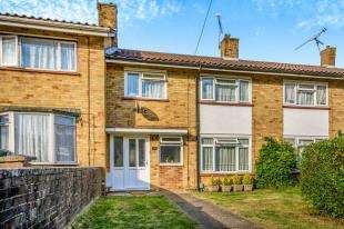 3 Bedrooms Terraced House for sale in Drake Road, Crawley, West Sussex