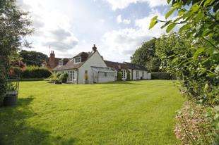 4 Bedrooms Cottage House for sale in Hayes Lane, Slinfold, Horsham, West Sussex