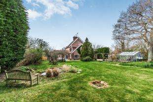 4 Bedrooms Semi Detached House for sale in Broyle Farm Cottages, Lewes Road, Ringmer, Lewes