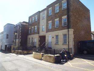 2 Bedrooms Flat for sale in Kingswood House, Effingham Street, Ramsgate, Kent