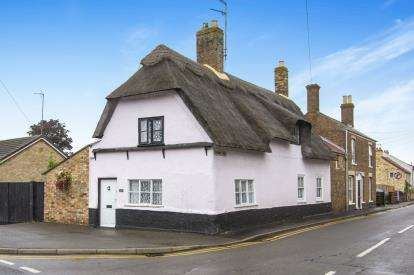 3 Bedrooms Detached House for sale in Station Street, Chatteris, Cambridgeshire, Uk