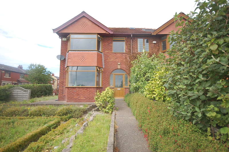 3 Bedrooms Semi Detached House for sale in Normoss Road, Blackpool