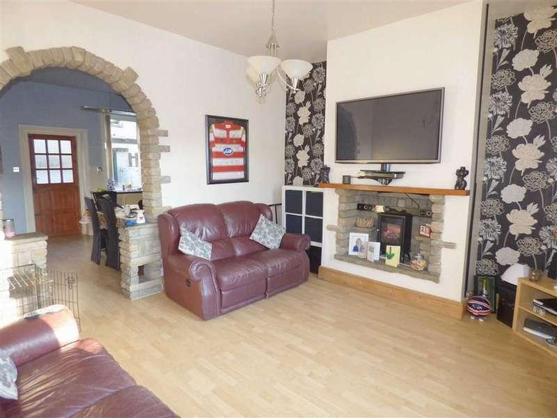 2 Bedrooms Property for sale in Industry Street, Whitworth, Rochdale, Lancashire, OL12
