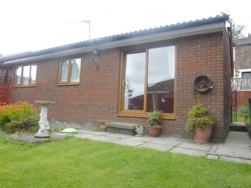 2 Bedrooms Property for sale in Crowley Lane, Watersheddings, OLDHAM