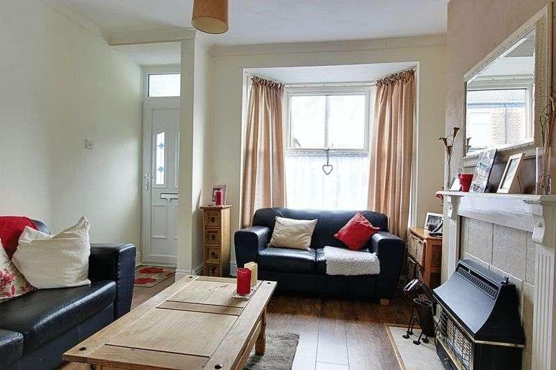 2 Bedrooms Terraced House for sale in Selkirk Street, Hull