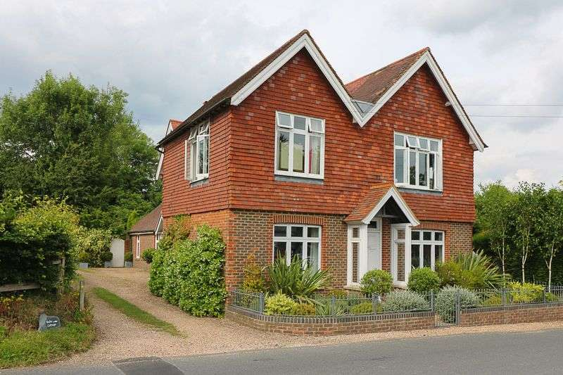 4 Bedrooms Detached House for sale in Cousley Wood, Wadhurst