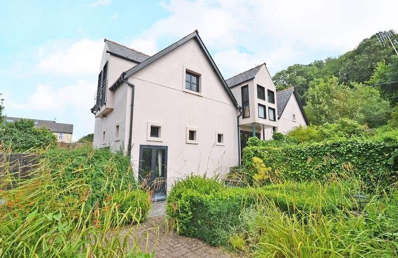 4 Bedrooms Detached House for sale in 6 Bulmore Road, Caerleon, Newport, South Wales. NP18 1QQ