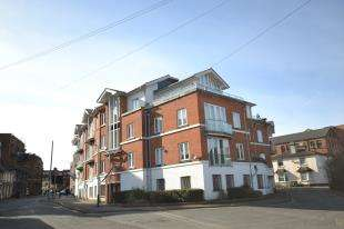 2 Bedrooms Flat for sale in The Chartwell, 21 Goods Station Road, Tunbridge Wells, Kent