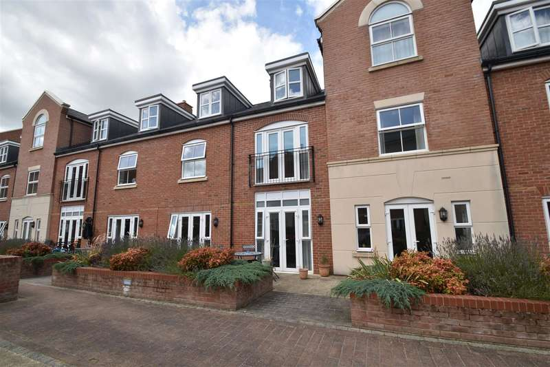 3 Bedrooms Property for sale in Portland Walk, Worcester