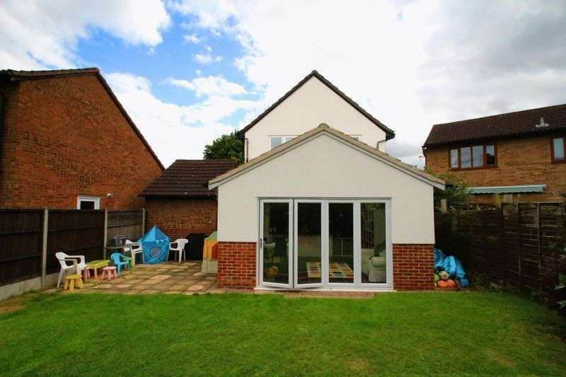 4 Bedrooms Detached House for sale in Nene Court, Long Lawford