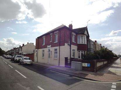 2 Bedrooms Flat for sale in Portsmouth, Hampshire