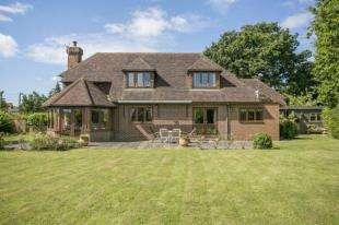 4 Bedrooms Detached House for sale in Biddenden, Ashford, Kent
