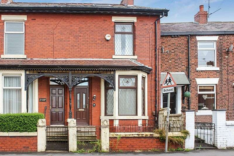 3 Bedrooms Terraced House for sale in Campbell Place, BB2 2TF