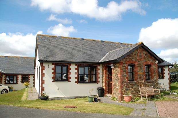 2 Bedrooms Semi Detached Bungalow for sale in Rame View, East Looe, Cornwall
